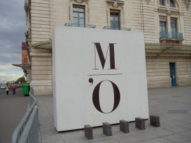 Outside Musée d'Orsay