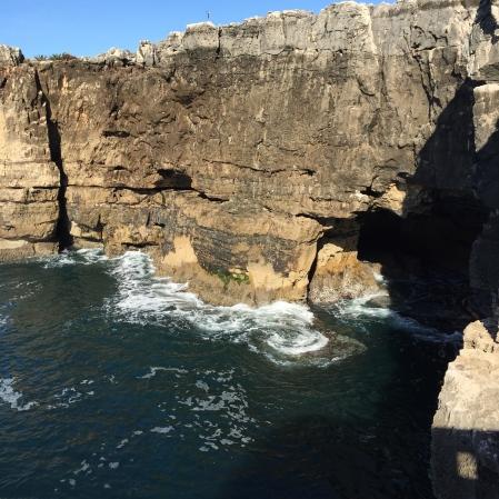Boca do Inferno Waves
